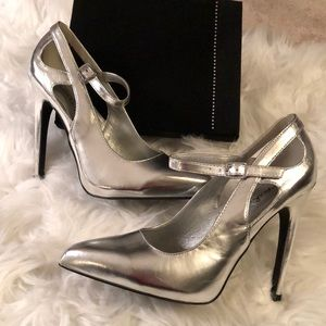 💋| Quipid |💋 Silver Strapped Heels